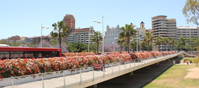 puente-de-las-flores-890x395_c